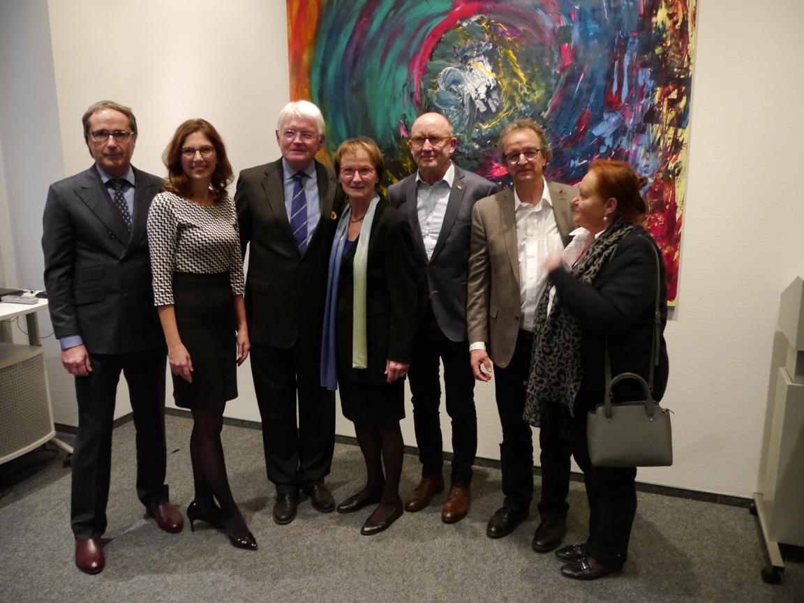 vlnr: Thomas Voss (MZEB RLP gGmbH), Ministerin Sabine Bätzing-LIchtenthäler, Dr. med. Paul Reuther, Ilka Reuther, Gerd Jung , Stefan Möller, Ellen Pfeifer