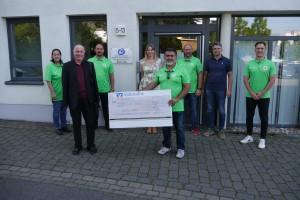 Die Lebenshilfe freut sich über die Spende des Jugendfußballvereins aus Bad