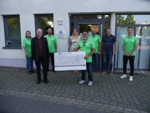 Bild Spende Jugendfußballer Bad Kreuznach an Lebenshilfe