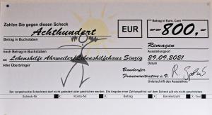 Ein Scheck über 800,00 Euro wurde überreicht.